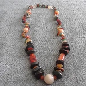 "Jewelry - Vintage Stringed Agate Stones Necklace!. 24""."
